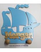 Porte manteaux en bois personnalisé avec prénom en bois personnages, véhicules, animaux en bois, lettres en bois enfant, patères, monde de l'enfant, plaques de portes